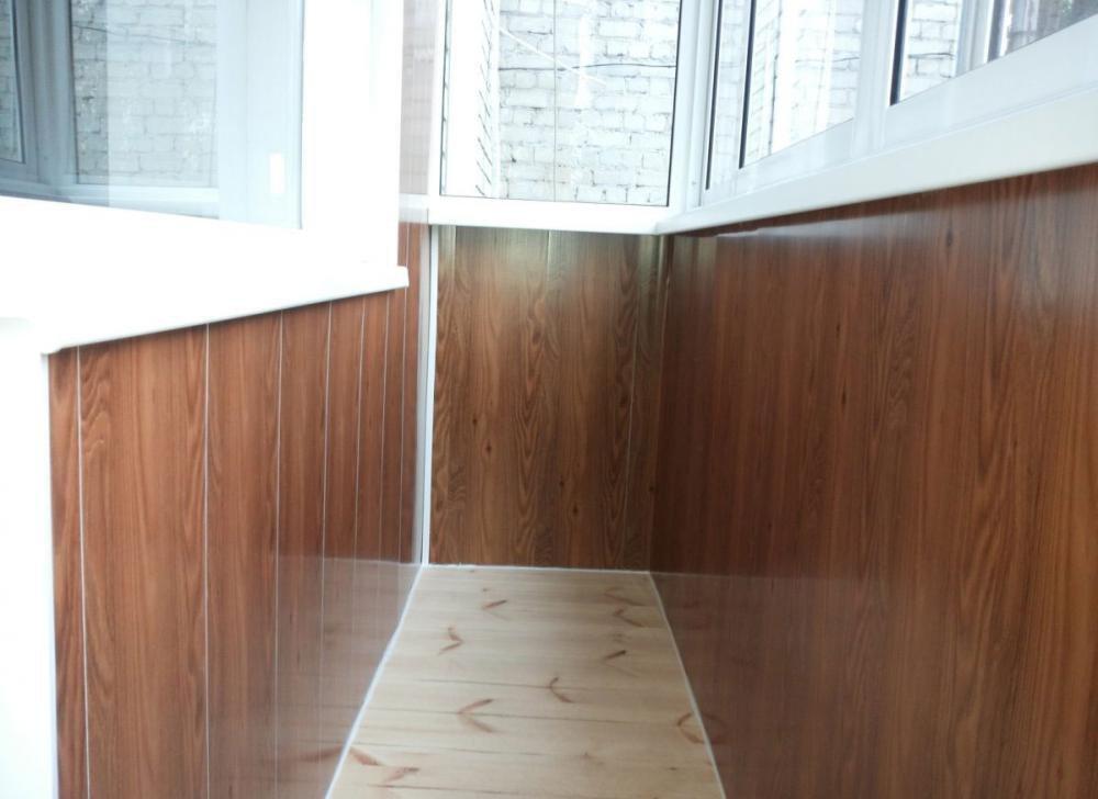 """Отделка балкона с холодным остеклением """" ремонт строительств."""
